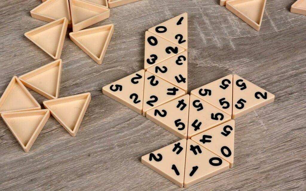 Треугольные фишки