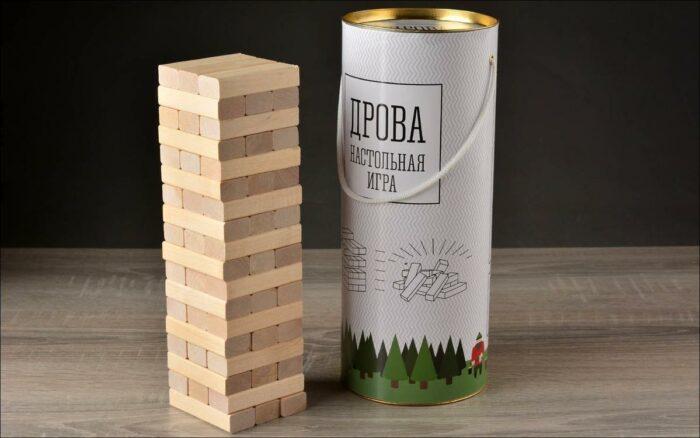 Башня из 54 деревянных брусков