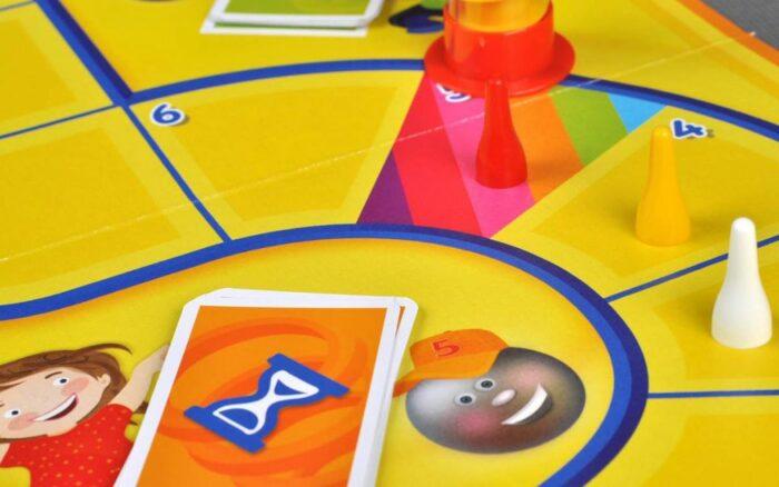 Игра идеально подойдет для заботливых родителей